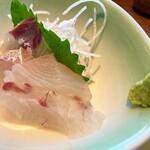 Maruhashokudou - 鯛とカンパチのお刺身