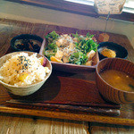 PUBLIC KITCHEN cafe 南船場店 - 有機野菜のヘルシーサラダごはん650円