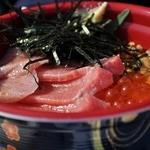 唐戸市場 活きいき馬関街 - 3食丼1500円