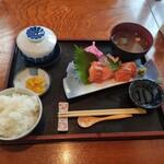 Famiriresutoranhirosesushimasa -