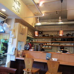 グリル デミ - オープンキッチンカウンター席。