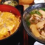 157543319 - 松茸丼と松茸うどん