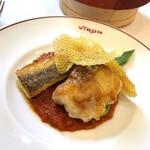 157558989 - 鮮魚のポワレ プロヴァンス風トマトソース                       (税込2,200円)