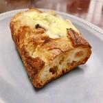 三好パン - 料理写真:グラタン 220円