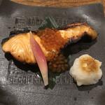 欅 くろさわ - 鮭の親子焼き