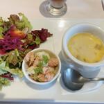 157580698 - スープ、サラダ、オードブル