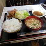 さわ - 唐揚げ定食(お新香の代わりにカレーの日)