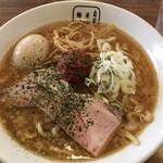麺屋 翔 - 料理写真:辛みそラーメン、太麺600円。煮玉子100円。
