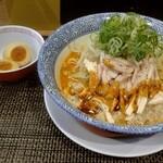 セアブラノ神 伏見剛力 - 料理写真:九月限定 蒸し鶏旨辛まぜそば1000円