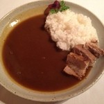 コム・シェ・ヴ - ソースキュリー+佐賀産酵素ポークバラ肉の煮込み