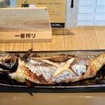 産直さばと青魚 伏見あおい - 大トロ鯖の塩焼き定食