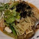 バグース - 料理写真:柔らかイカと帆立の辛口タイ風醤油