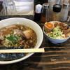Komugi - 料理写真:ほぼ茶色の絵面の中に、申し訳程度の緑色(^_^;)