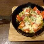 楽笑酒場 goji-goji - トマトのチーズ焼き