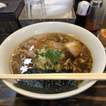 Komugi - 醤油中華そば、800円。