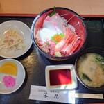 栄丸 - 料理写真:令和3年9月 ランチタイム 特製海鮮丼セット 880円