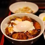 都来 - ミックス・ミニ麻婆丼セット(1,300円) 鶏の唐揚げ・日替わりハーフ付き