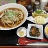麦 - 料理写真:肉うどんと三点盛天ぷらセットに、小鉢とレンコン天ぷら