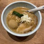 157659248 - これぞ魚介とんこつ的な濃厚なスープ♡