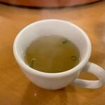 南海飯店 - かたい焼ソバのスープ