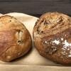 ダヴィッド パン - 料理写真:右、グリーンオリーブ。左、コンプレノア