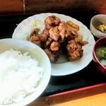 五葉松 - 唐揚げ定食