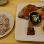 レストランMOMO - ランチプレート 全景 1,078円
