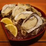 157682042 - 活 生牡蠣(248円×4個)