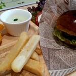 健康社員食堂 百花 - ポテトがホクホクで美味しい!