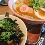ラーメン バードマン - 料理写真:【限定】カレー鶏sobaスペシャル&炙りチャーシュー丼 2021.09.05