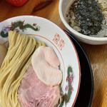 麺匠 而今 - 料理写真:平日昼限定の旨味醤油つけそば+味玉