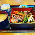 鶏と鰻 のぐち - 鶏重