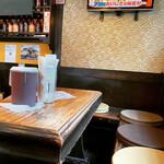 鶏と鰻 のぐち - テーブル席