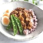 ひよこ豆のキーマカレー(サラダ付)