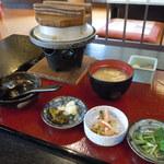 居食屋 とりせい - 鶏釜飯定食 930円