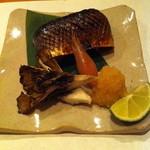 酒肴屋 いっこう - 秋刀魚の肝醤油焼き