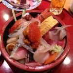 鮨政 - ランチちらし丼840円+具だけ大盛り100円