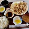 レストハウス青山 - 料理写真:唐揚げ定食 880円