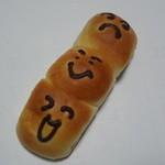 スイートベーカリー パパン - 料理写真:おともだちパン:150円