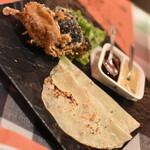 キャンティ・コモ - 料理写真:名物料理ソフトシェルクラブのイタリアピアディナー巻き(1ロール495円・写真は2ロール990円)2021年8月