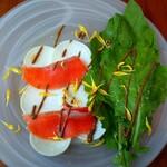 PASTA HOUSE AWkitchen FARM - 蕪とサーモンの サラダ