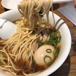 松戸中華そば 富田食堂 - 料理写真:麺リフト。