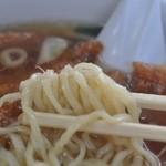 松園 - 手打ち麺は細め