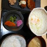 1578477 - 三味盛り合わせ定食