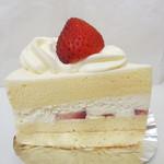 パティスリー モンテーニュ - ショートケーキ