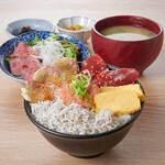 湘南しらす・まぐろの海鮮丼&ローストビーフサラダ