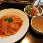 15782260 - トマトとモッツレラチーズ