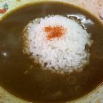 味の大王 - カレーラーメンのスープに小ライスドボ~ンッ!