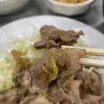 伊勢屋食堂 - 豚バラでも朝からサッパリ食べられる。ロースもあり。