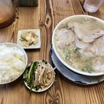 157853763 - チャーシュー麺、めし